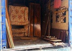 Вывоз хлама, услуга по вывозу старой мебели